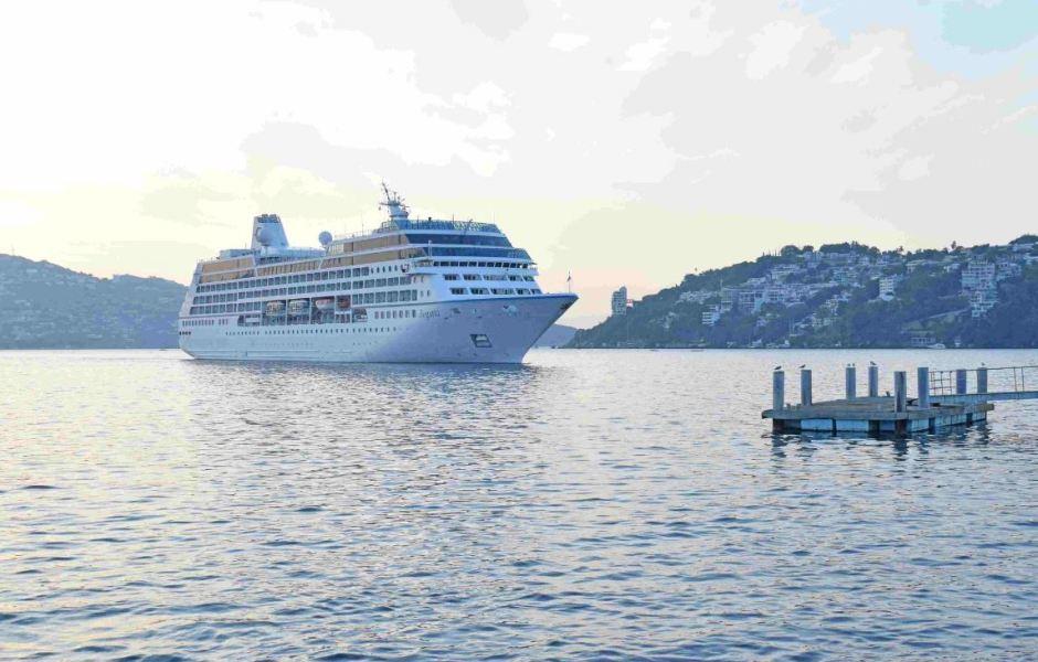 Turistas aprovechan últimos momentos de vacaciones en Acapulco