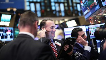 Operadores de la Bolsa de Nueva York. (Getty Images)