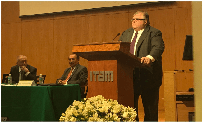 Agustín Carstens en el ITAM (@ExITAM)