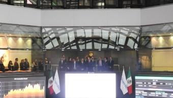 Vista del piso de remates de la Bolsa Mexicana de Valores (Twitter: @BMVMercados)