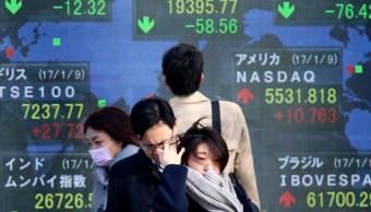 Tablero electrónico de la Bolsa de Tokio. (AP)