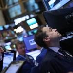 Operadores de la Bolsa de Nueva York durante el inicio de la jornada bursátil (Getty Images)