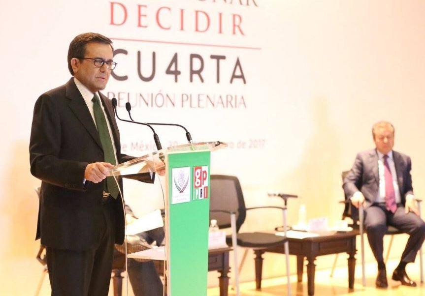 Ildefonso Guajardo dijo que solo algunos productos de la canasta básica aumentaron durante la primera quincena de enero (Twitter/@SE_mx)