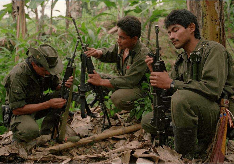 Guerrilleros de las FARC preparándose para el desarme