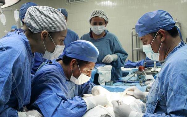 Realizan siete trasplantes de riñón en hospital La Raza del IMSS