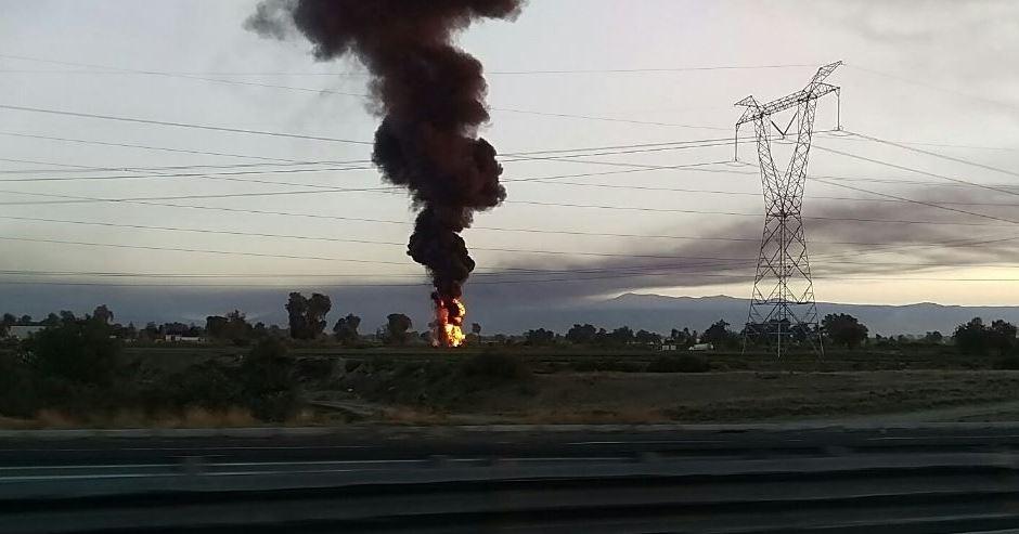 Toma clandestina provoca incendio en ducto de Pemex en Puebla