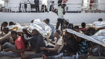 Mueren más de 30 inmigrantes en naufragio frente a costas de Libia