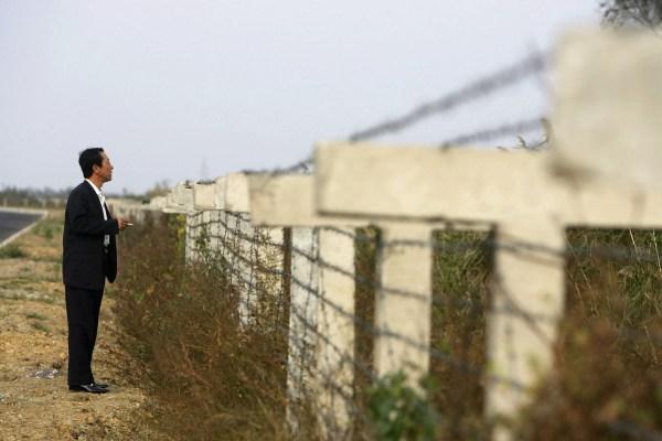 Muro en Dandong, China, ciudad fronteriza con Corea del Norte.