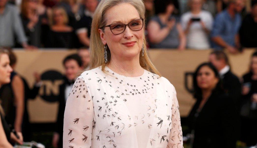La actriz Meryl Streep llega las XXIII entrega de los Screen Actors Guild Awards celebrada en Los Ángeles, California (Reuters/ archivo)