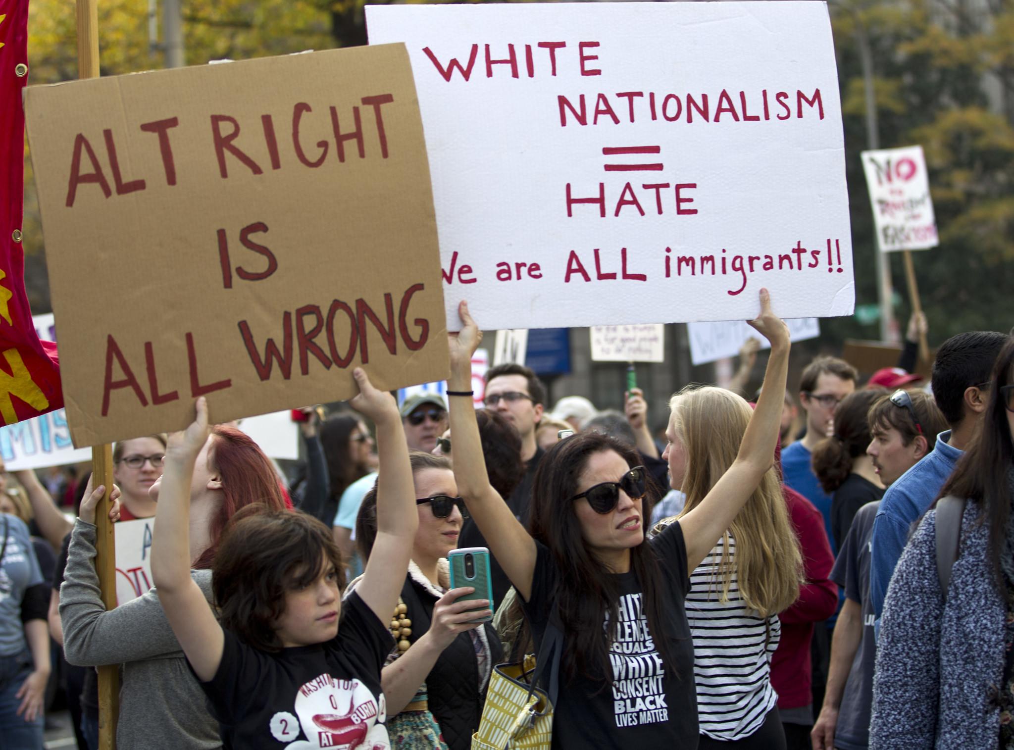 Protestas anti Trump y Bannon
