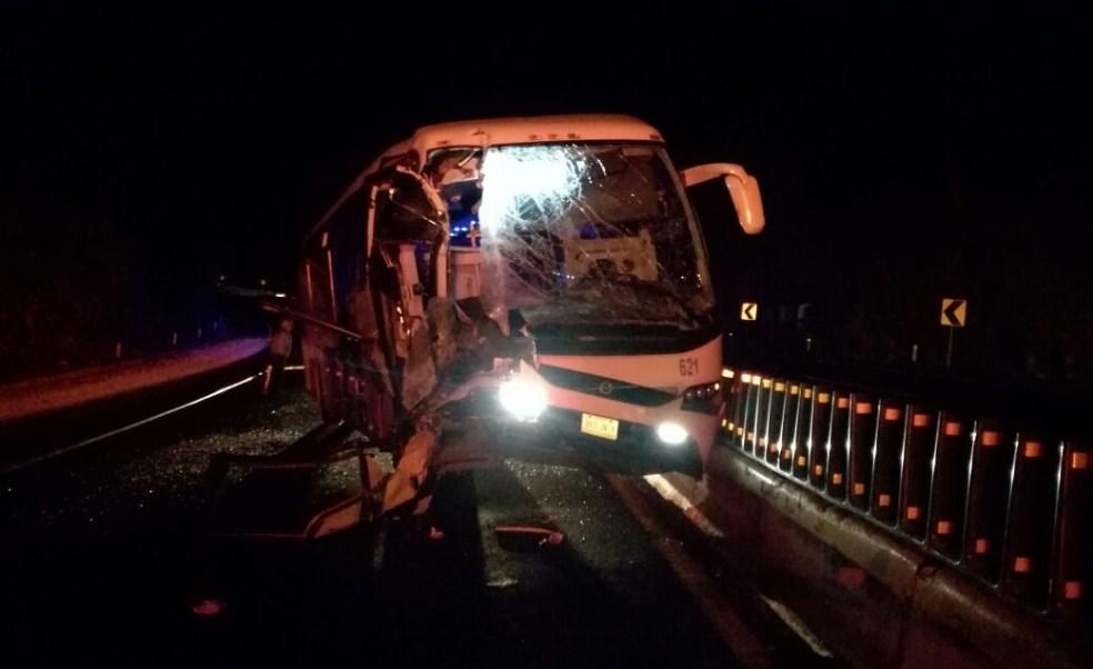 Un accidente en la autopista México - Puebla deja un saldo de 1 muerto y 20 lesionados