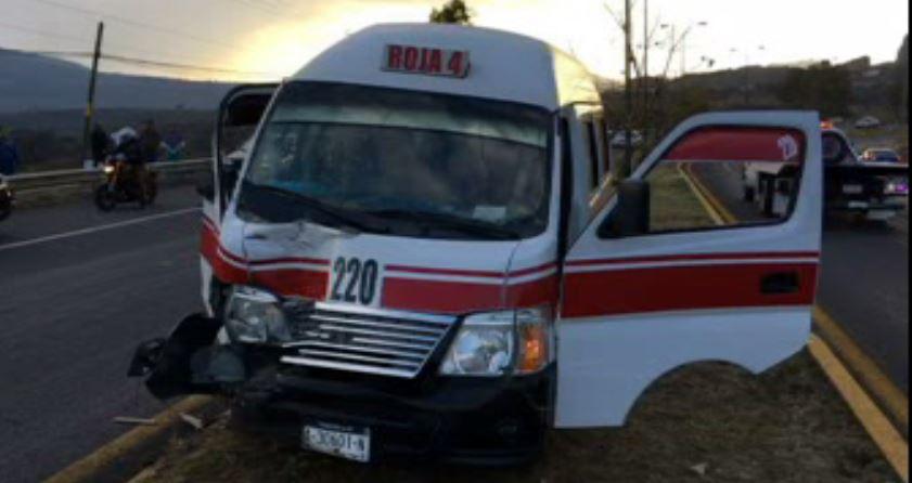 Accidente carretero en Michoacán causa 10 lesionados