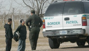 Agentes de la Patrulla Fronteriza en las inmediaciones de Fabens, Texas; mexicanos temen ser deportados (AP, Archivo)