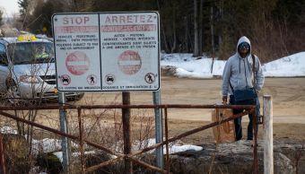 Al cruzar, los indocumentados son detenidos por la policía y luego entregados a la agencia de servicios fronterizos de Canadá.