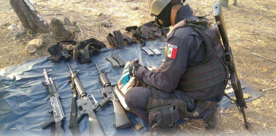 Aseguran armamento en cerro de Guerrero. (Twitter @SSPGro)