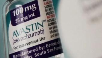 La Cofepris reitera que no se detectó que menores enfermos de cáncer hayan sido tratados con agua destilada; dice que los medicamentos falsos no fueron suministrados a ningún paciente. (Noticieros Televisa)