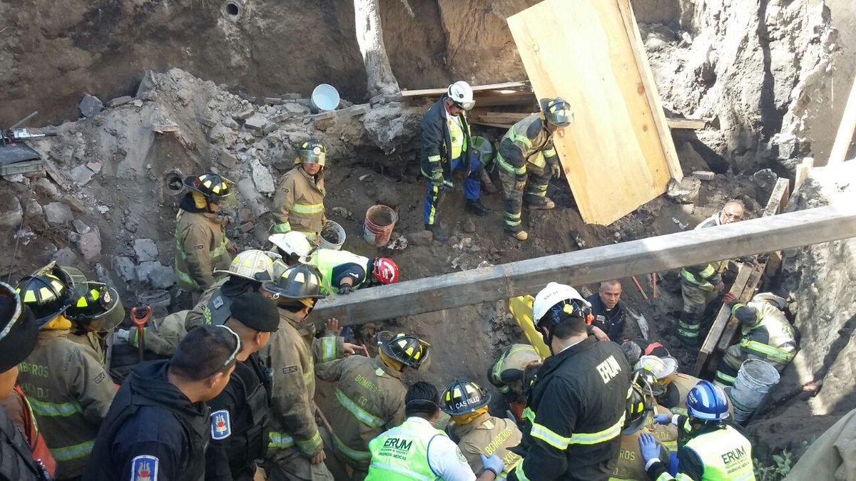 Derrumbe en construcción en Coyoacán deja un muerto y 8 lesionados