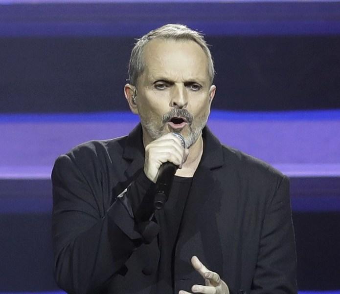 Para celebrar el Día del Amor y la Amistad el cantante español, Miguel Bosé, ofrecerá este domingo un concierto gratis en el Zócalo capitalino, a las 19:30 horas (AP)