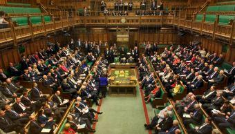 Parlamento británico fuerza a May a someter el Brexit a votación