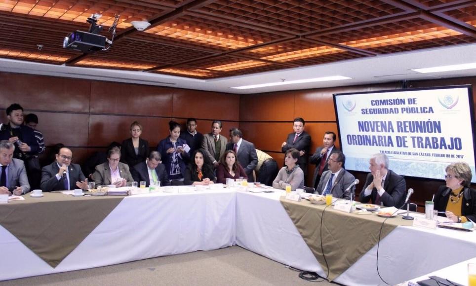 Diputados que integran la Comisión de Seguridad Pública en San Lázaro emitieron su opinión favorable a las iniciativas de Ley de Seguridad Interior que darían certeza jurídica al Ejército en las calles.