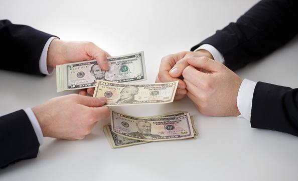 Este viernes el dólar terminó en 19.13 pesos a la venta en bancos de la CDMX. (Getty Images/Archivo)