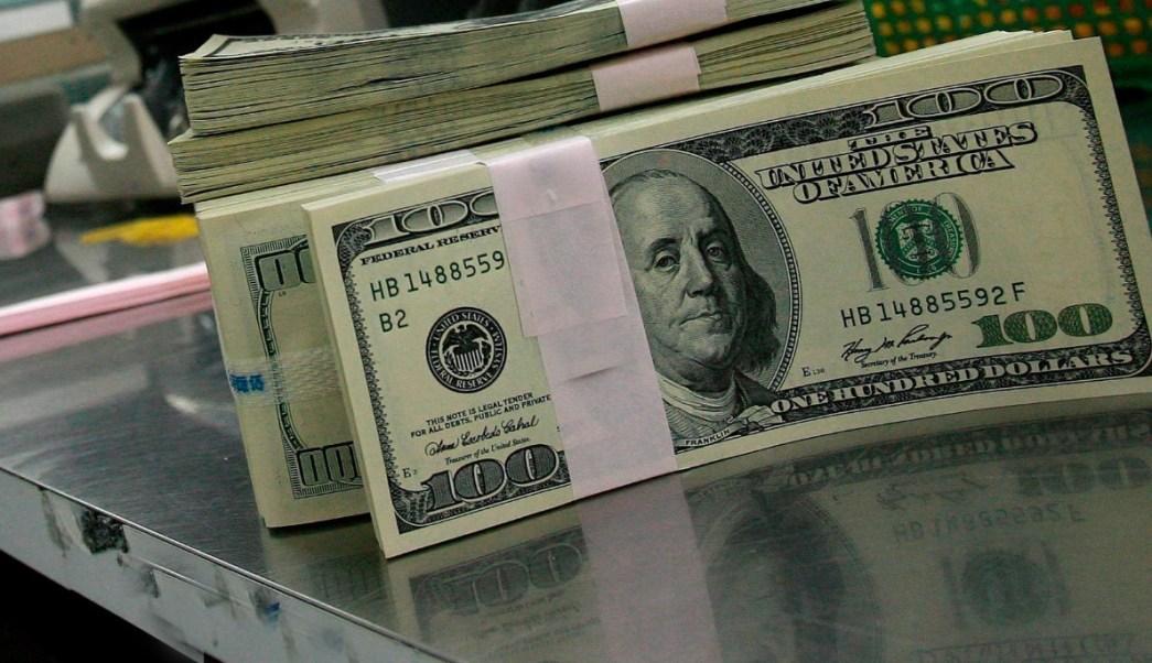 Este martes, el dólar se vendió en 19.58 pesos en bancos de la CDMX (Notimex/Archivo)