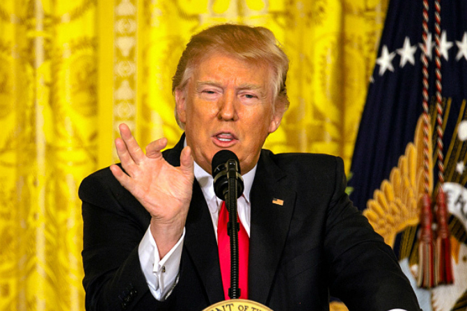 Trump señala que los medios de comunicación son enemigos del pueblo americano (Getty Images)