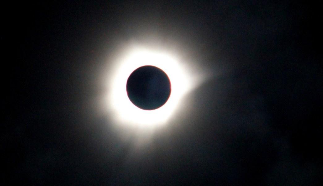 El próximo domingo 26 de febrero ocurrirá el primer eclipse solar del año; se apreciará en Sudamérica y África. (Archivo/AP)