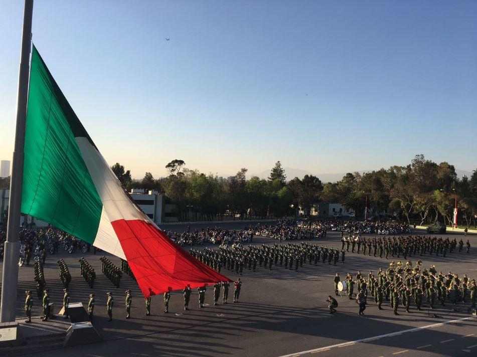Ejército Mexicano hombro con hombro por la tranquilidad de NL