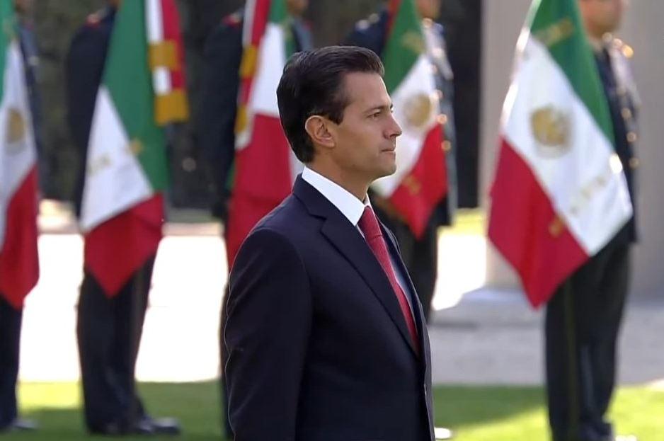 Enrique Peña Nieto encabeza la ceremonia oficial por el Día de la Bandera (Noticieros Televisa)