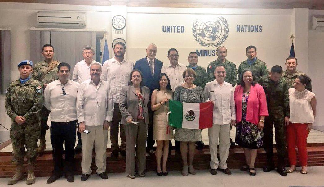 Funcionarios mexicanos visitan la Misión de Estabilización de las Naciones Unidas en Haití. (Twitter/@miguelrcabanas)
