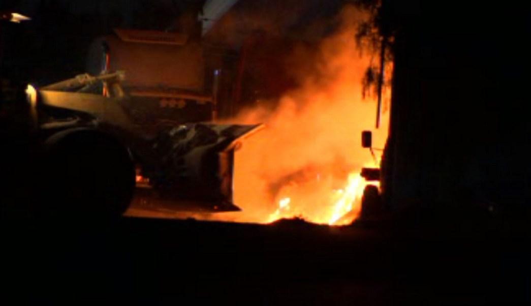 Incendio en planta recicladora de la CDMX.(Noticieros Televisa)