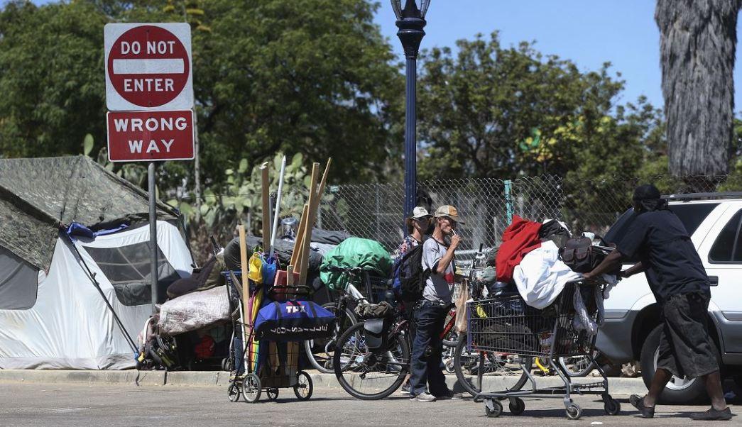 Indigentes en San Diego, California (AP, archivo)