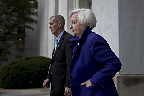 Janet Yellen, presidente de la Fed, votó pormentener sin cambios las tasas de interés. (Getty Images)