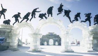 Jason Paul destacó en la competencia FreezeRunning al recorrer la ciudad de hielo realizando espectaculares coreografías