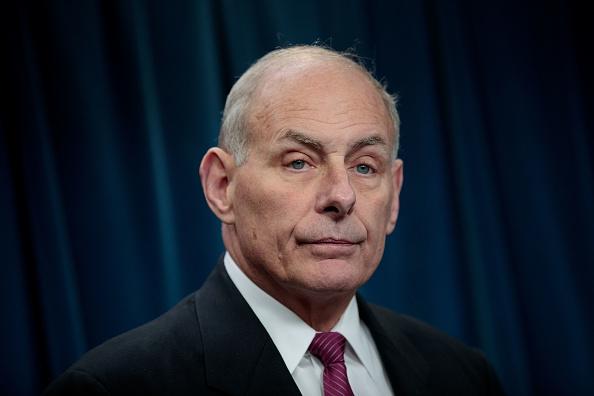 El secretario de Seguridad Nacional de Estados Unidos, John Kelly, aseguró que al Gobierno le sorprendió que la Justicia suspendiera la primera orden migratoria de Trump (Getty Images/Archivo)