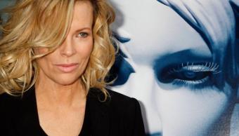 """El cambio de rostro de Kim Basinger generó críticas en la alfombra roja de """"50 sombras más oscuras"""""""