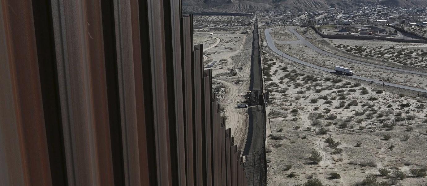Muro fronterizo entre Ciudad Juárez, Chihuahua, y Sunlad Park, Nuevo México.