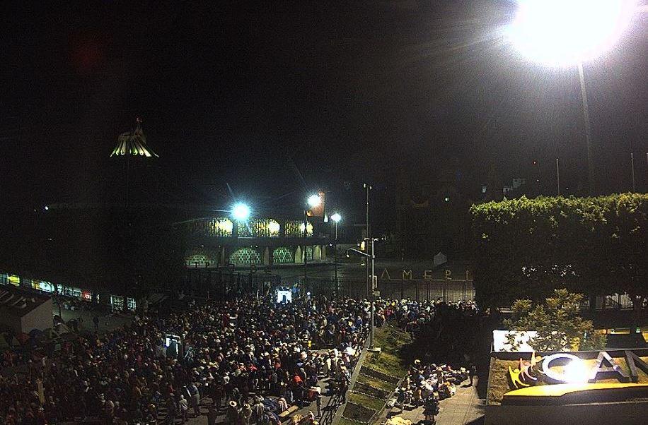 Peregrinos de Toluca llegan a la Basílica de Guadalupe (Twitter @webcamsdemexico)