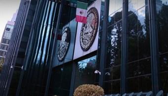 Los agentes ubicaron y aseguraron el lugar donde se encontraron más de 13 mil litros de combustible y cuatro camionetas ( Twitter/@PGR_mx)