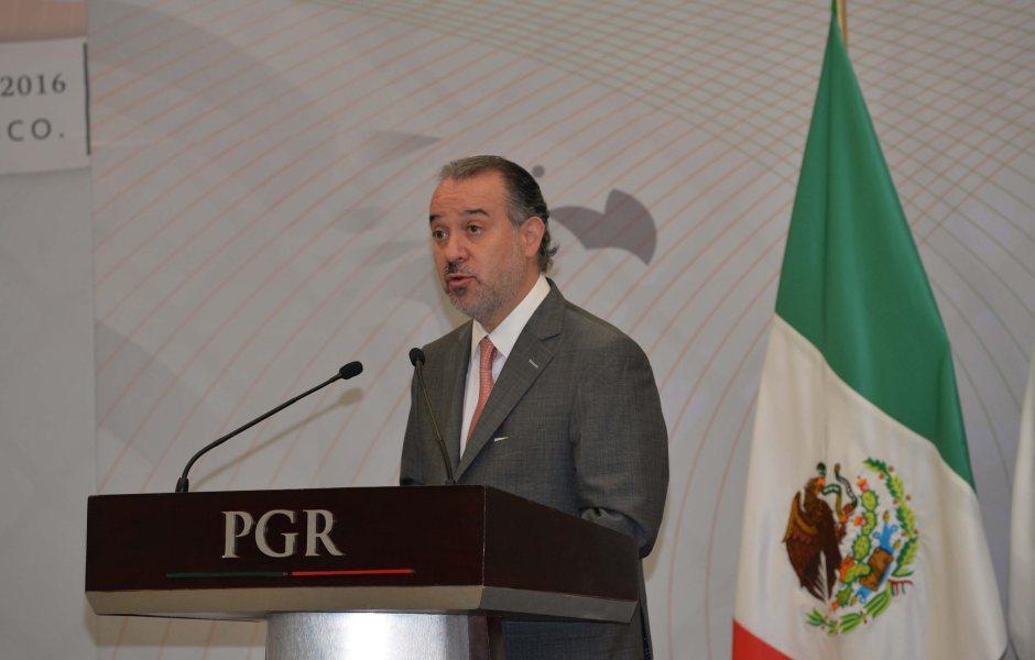 Raúl Cervantes Andrade, procurador general de la República. (NTX, archivo)