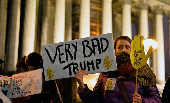 La popularidad del presidente Donald Trump se ha derrumbado en pocos días, de acuerdo con especialistas (Getty Images)