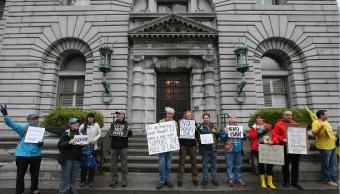 Protesta contra el veto migratorio de Trump frente a la corte federal de apelaciones en San Francisco, California, EU. (Getty Images, archivo)