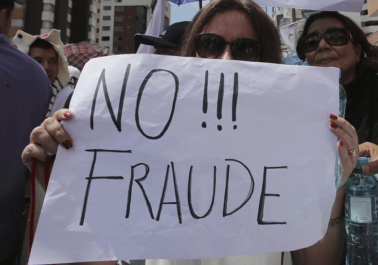 Protestan en Ecuador ante el lento conteo de votos tras las elecciones presidenciales. (AP, archivo)