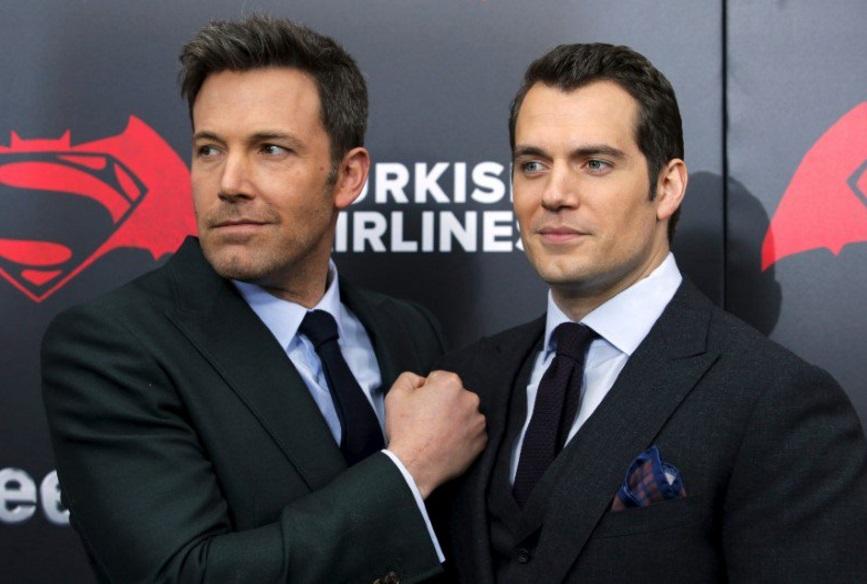 Ben Affleck y Henry Cavill, la peor pareja en pantalla con la película 'Batman v Superman' al ganar los premios Razzie (Reuters)