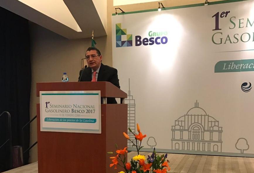 Fernando César Luna, director general de Verificación de Combustibles de la Profeco, participó en el Primer Seminario Nacional Gasolinero realizado en la Ciudad de México.