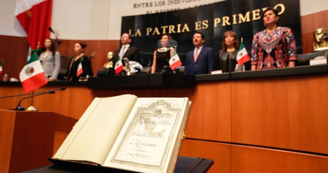 El pleno del Senado de la República conmemora el primer centenario de la Constitución Mexicana.