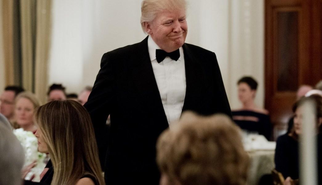 El presidente Donald Trump durante una cena de la Asociación Nacional de Gobernadores en la Casa Blanca (AP)