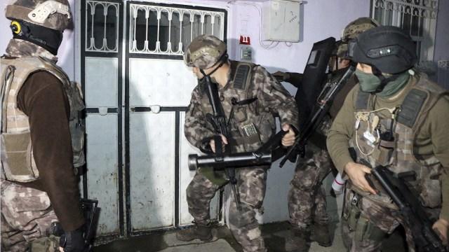 Detienen en Estambul a 31 presuntos miembros del Estado Islámico