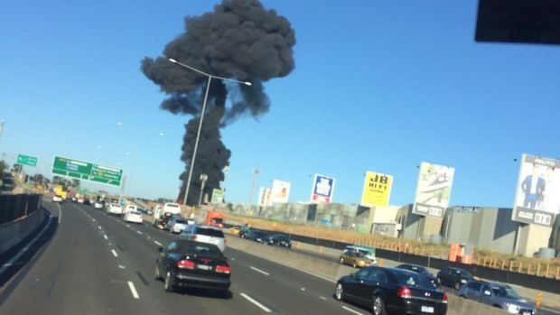 Una avioneta se estrelló en un centro comercial de Essendon, en Melbourne, Australia.